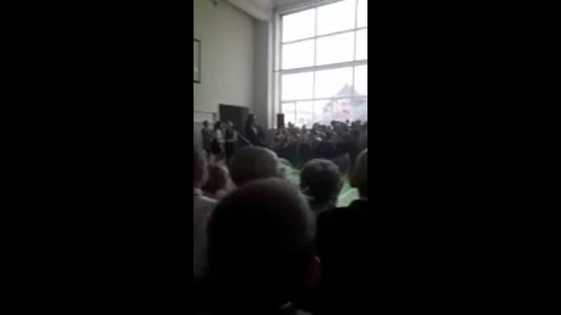 Выпускник втащил депутатке от ЕдРа