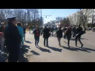 Зрелищная солнечная первомайская демонстрация в центре Вологды!