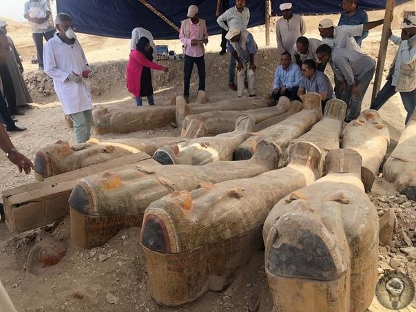Находка десятилетия: в Египте раскопали 20 деревянных гробниц, которым 3000 лет