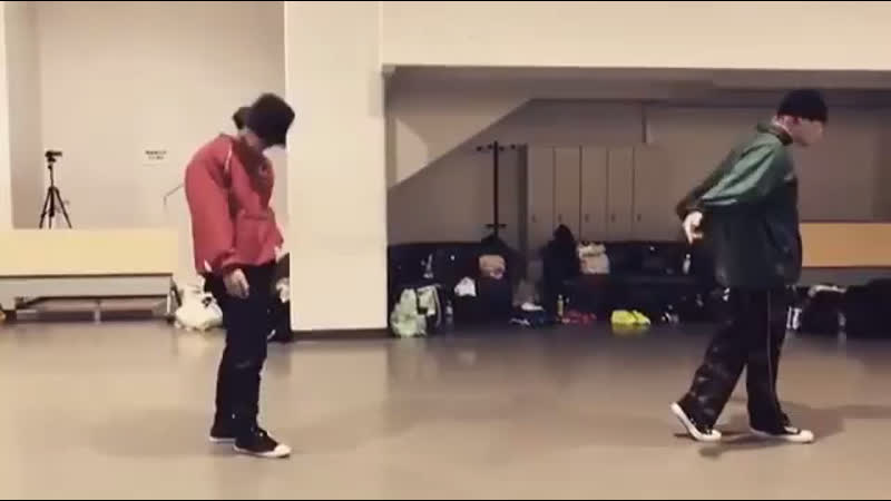 KWON TWINS dancing GD's Untitled
