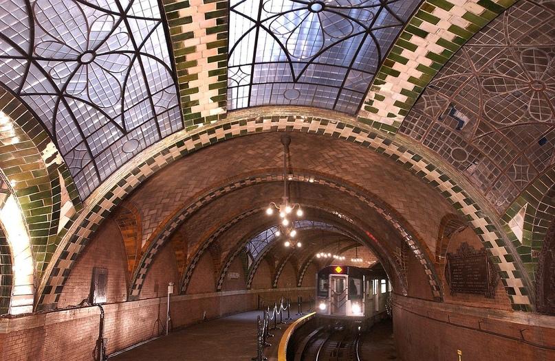 ТОП самых красивых метро, изображение №9