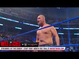 Кейн Веласкес напал на Брока Леснара, заставив бежать чемпиона WWE