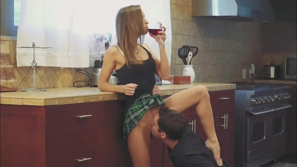 Kinky Huwari Uses Honey To Toy Her Pussy Then Drips It Into Her Coffee