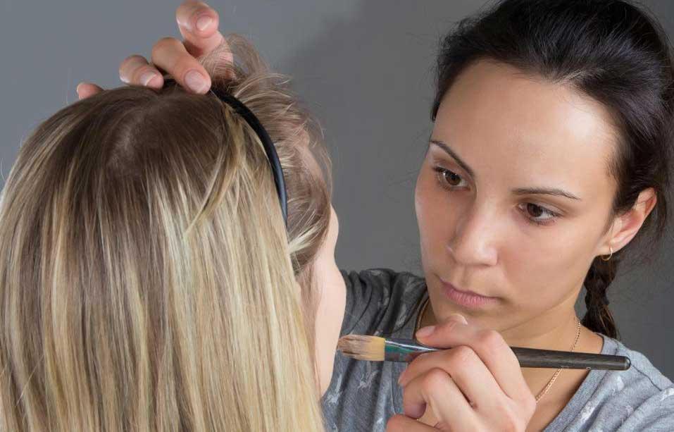 Кисти для макияжа обычно можно купить везде, где продается косметика.