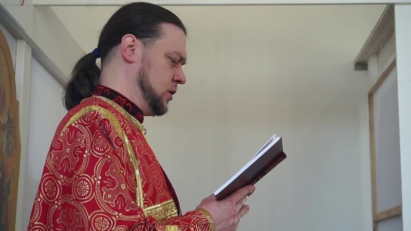 Богослужіння київським ізводом (церковнословянською) Євангеліє - українською - Українська православна церква в Дніпрі Дніпропетровська обл
