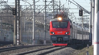 Электровоз ЭП20-069 с фирменным поездом Кубань №30 Москва - Новороссийск