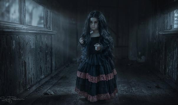 Пионерские страшилки 1. ГРОБ НА КОЛЕСИКАХЖила-была девочка у мамы. Однажды она осталась одна. И вдруг по радио передают:- Девочка, девочка, Гроб на Колесиках выехал с кладбища, твою улицу ищет.