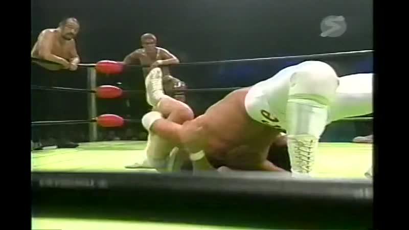 2000.08.06 - Haruka EigenTsuyoshi KikuchiYoshinobu Kanemaru vs. Rusher KimuraMitsuo MomotaMakoto Hashi