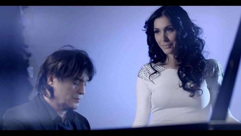 Tiha noć - Ana Rucner, Vlado Kalember feat. Zagrebački mališani