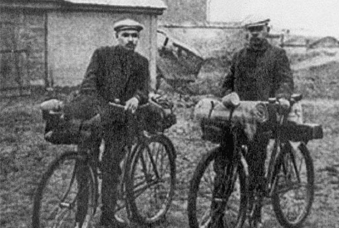 петров водкин на велосипеде