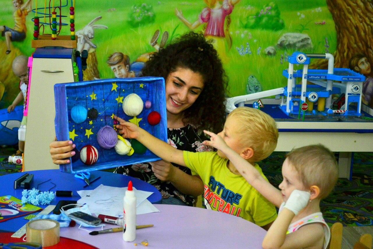 Волонтеры в детском онкоотделении