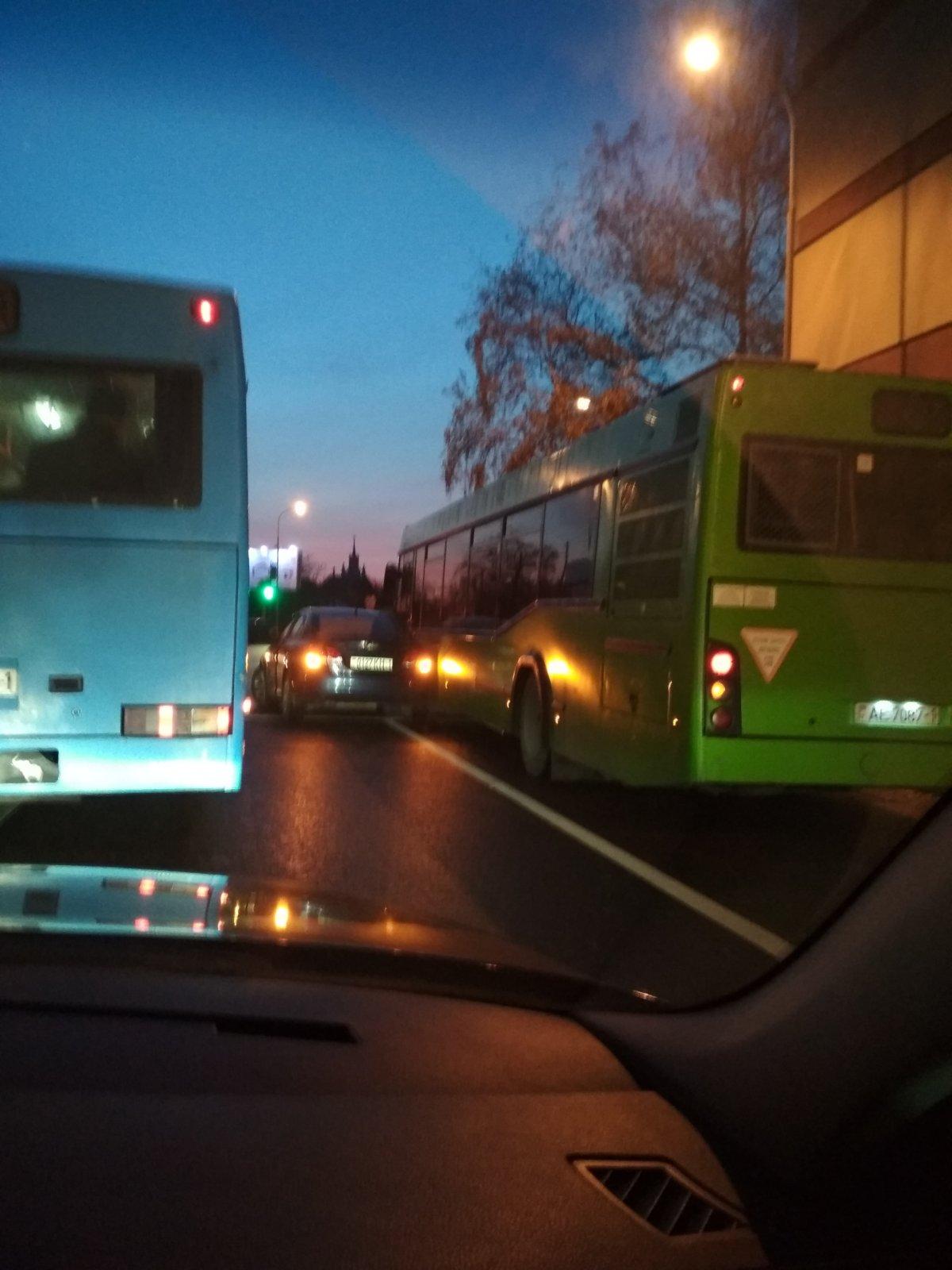 В результате ДТП пострадала несовершеннолетняя пассажирка автобуса