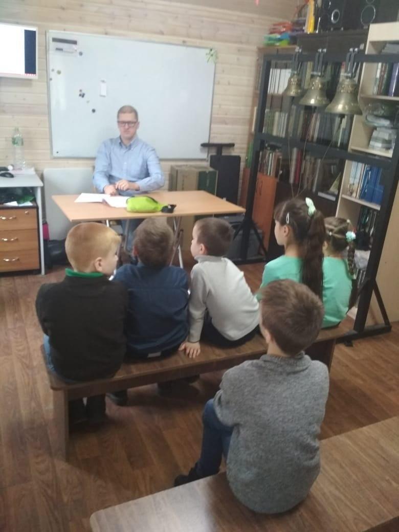 Урок мужества состоялся в воскресной школе при храме на Покровской