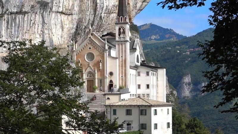 Italien Gardasee Monte Baldo Madonna della Corona in Spiazzi