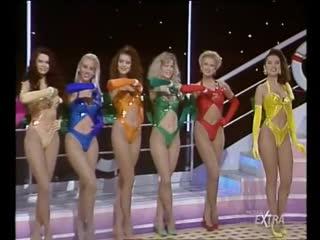 Mediaset Extra - Colpo Grosso. Стриптиз. Много голых девушек. Большие сиськи. Публичное обнажение. Частное домашнее порно (142)