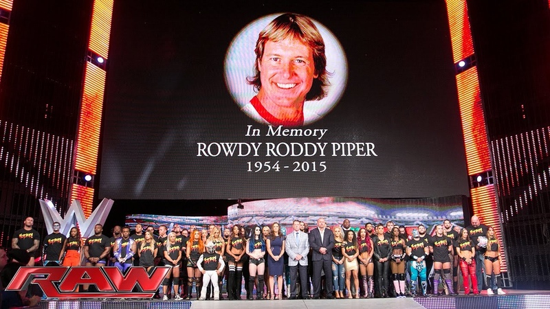 Die gesamte WWE gedenkt WWE Hall of Famer Rowdy Roddy Piper Raw 3 August 2015