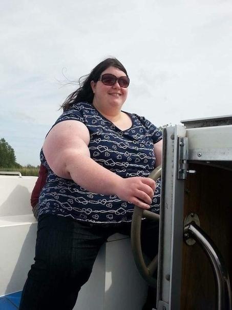 Толстушка сбросила больше половины веса, но до сих пор скрывает от парня, как она выглядит голой 33-летняя Джемма Брокуэй потратила шесть лет жизни на погоню за красивым телом. Она сбросила 107