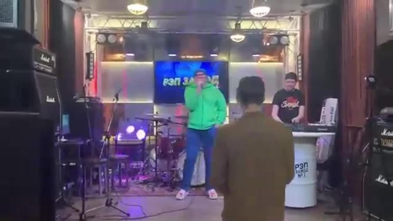 Николай Должанский спел свою новую песню Питер и Марьина роща