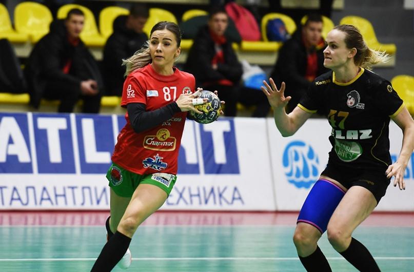 Кристина Ахраменко и Анастасия Кулак
