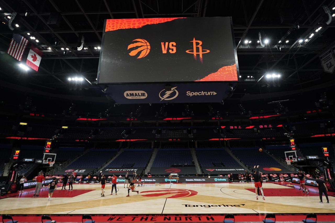 В «Торонто» не смогли собрать состав на матч с «Чикаго». Игра перенесена