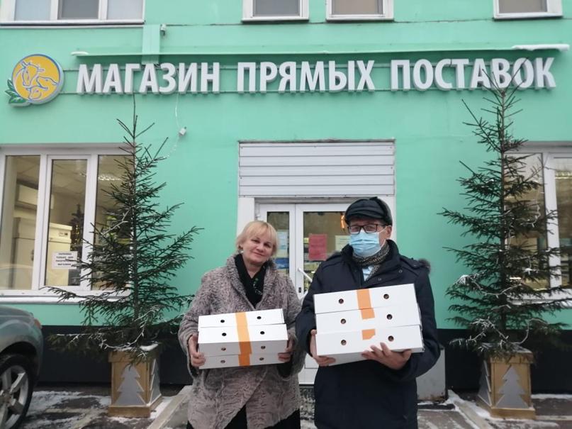 Многодетные семьи Дмитровского района получили новогодние наборы от Агрохолдинга кинокомпании «Союз Маринс Групп» и «Дмитровского молочного завода»