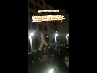 Сообщается, что в Хайфе этой ночью вышло более 1000 палестинцев требуя и ожидая освобождения задержанных.