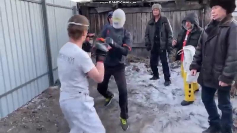 Дэн Фил против Мистера Икс 1 раунд