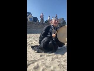 Мини-концерт на пляже Олена УУТАй