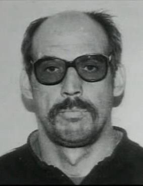 Маньяк Сергей Шипилов, совершивший 14 убийств и 9 изнасилований Работал простым шофером, из-за чего его жертвами становились в основном попутчицы. В 1997 году был арестован и осужден на восемь