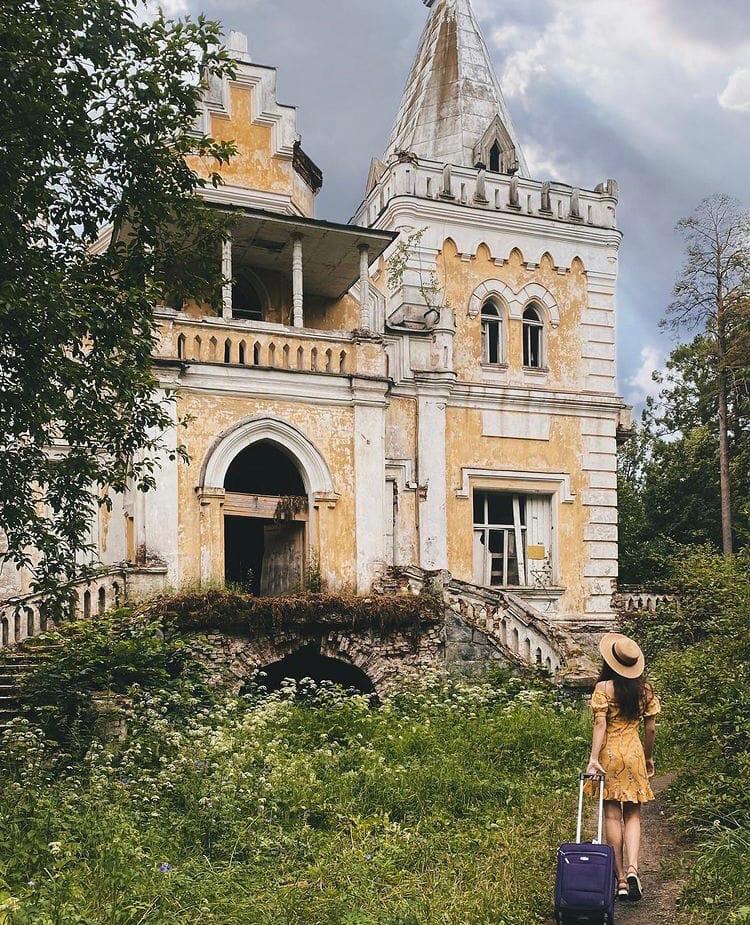 Блогер показала красочные фото усадьбы в Тверской области