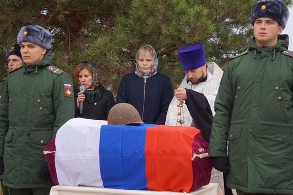15 октября на Мичуринском кладбище в Аткарске пере...