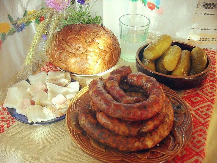 Деревенская пальцемпханная колбаса