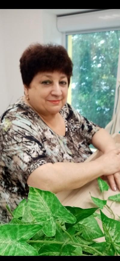 Зина Олерская, Алматы