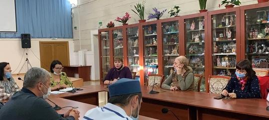 В Кизляре общественность, молодежь, представители духовенства, депутатского корпуса, спортсмены жестко