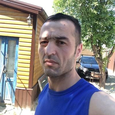 Иззат Шарапов