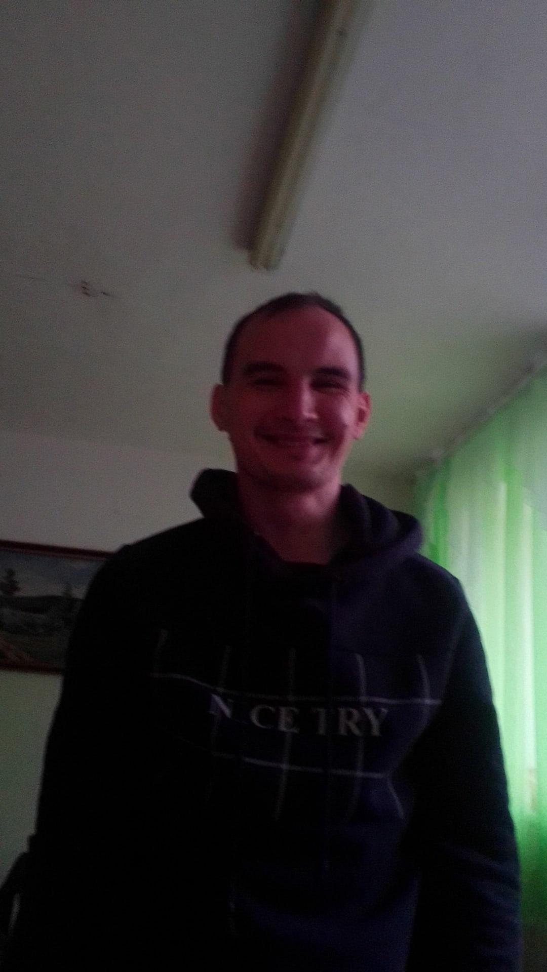 Толя, 30, Kirovo-Chepetsk