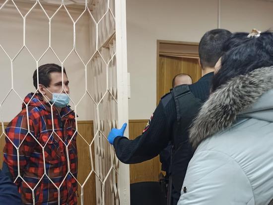 Мать блогера Reeflay (Станислав Решетняк), подозреваемого в причинение смерти Валентине Григорьевой рассказала в суде, почему между ними возник конфликт По словам женщины, ее сын и котенка не