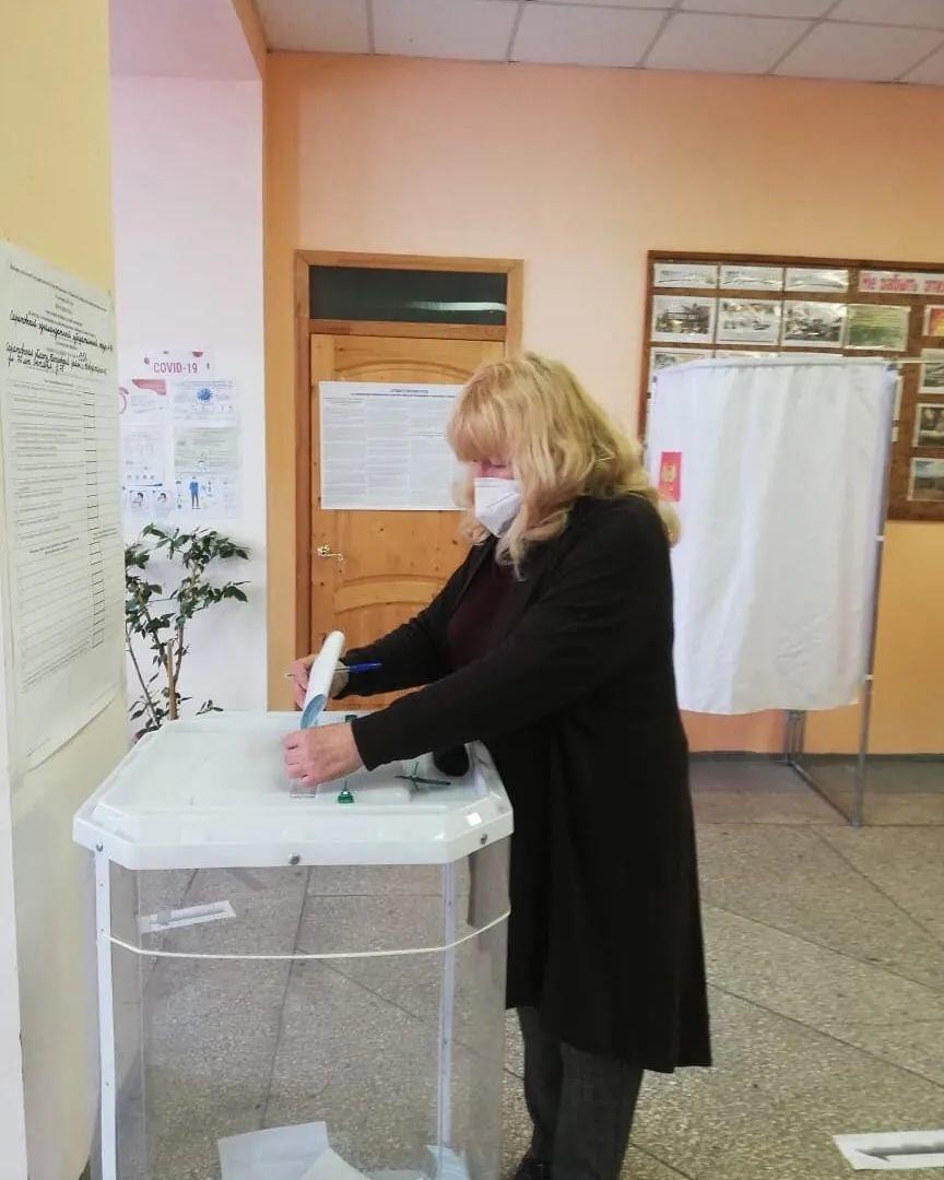 На всех избирательных участках Петровского района продолжается голосование за кандидатов в депутаты Государственной Думы