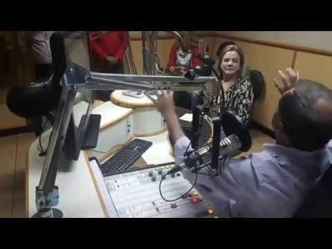 Gleisi é entrevistada pela Rádio Vale do Sol FM 100,5