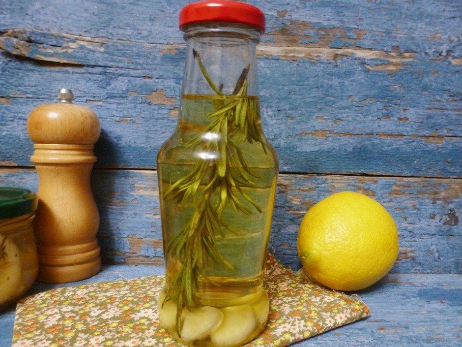 Ароматное масло с розмарином и чесноком Такое масло идеальн