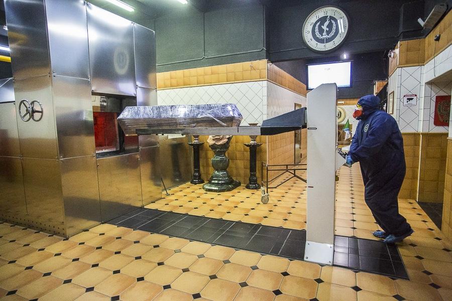 фото Чрезвычайные меры предосторожности: как происходит кремирование тел заражённых коронавирусом – эксклюзив Сиб.фм 7