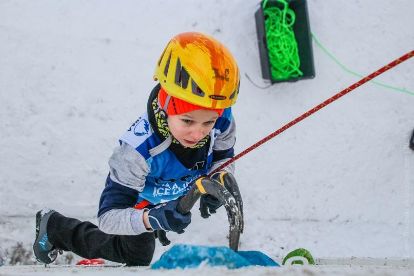 Главные отечественные ледолазные старты сезона финишировали в городе Кирове в минувшие выходные – чемпионат и первенство России по альпинизму. Всем было что доказывать и что терять…, изображение №22