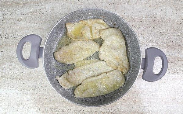 Куриный шницель с грибами, изображение №3