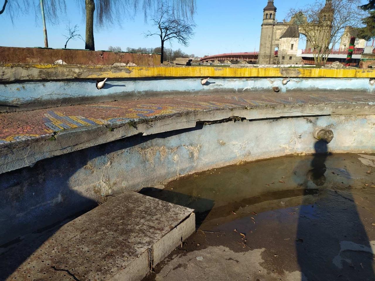Сохранят ли мозаику на фонтане возле моста в Советске?