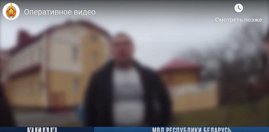 """В Кобрине пьяный пассажир пытался """"разобраться"""" с ГАИшником. Помогли очевидицы"""