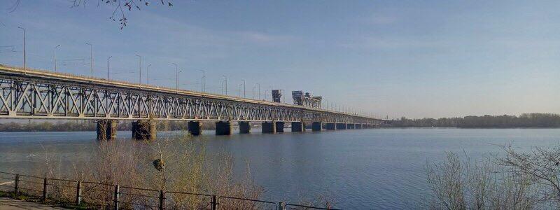 В Днепре 36-летний мужчина спрыгнул с Амурского моста -