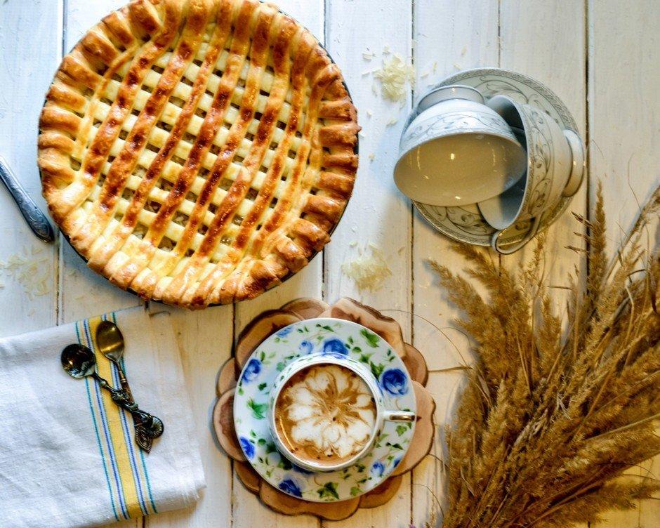 Рыбный пирог с копченой скумбрией Ингредиенты: Молоко — 1