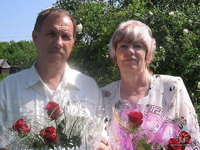 Вчера прекрасный юбилей - 50-летие супружеской жизни отметили жители села Озёрки Владимир Иванович и Тамара Николаевна ГРАЧЁВЫ, учителя местной школы