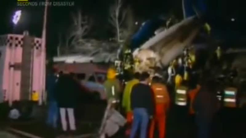 Секунды до катастрофы - Авиакатастрофа на магистрали.